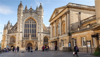 Exterior view of Bath Abbey