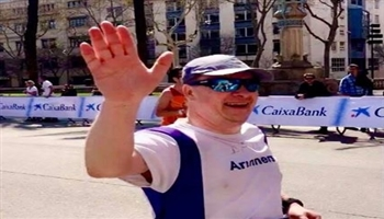 David Guiel, General Manager at Bishop's Move, participating in the Barcelona Marathon