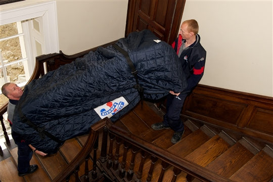 Top Tip 2 - Leave the lifting of heavy items to the experts - the removal men.