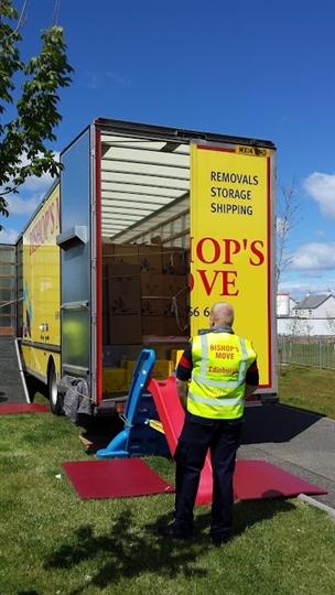 Bishop's Move Edinburgh - staff volunteer their free time to help